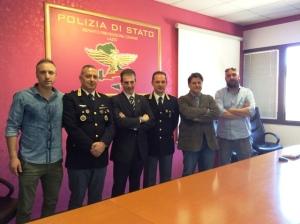 Guardando la foto da sinistra: Federico Roberti, Aldo Micchia, Gianluca Guerrisi, il Dirigente del Reparto dr. Federico Zaccaria, Massimo Vannoni e Andrea De Meo