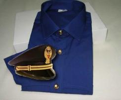 La divisa a mezze maniche in uso dagli operatori di Polizia
