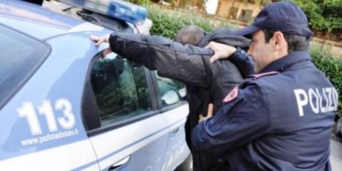 Polizia, arresto in servizio