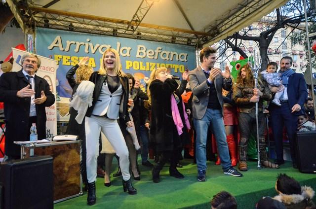 Patrizia Pellegrino, Lorenzo Flaherty, Gegia sul palco per la baby dance