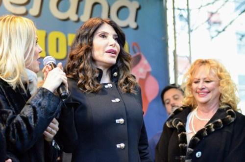 Carmen Di Pietro madrina della kemesse con Patrizia Pellegrino (presentatrice) e Luciana Frazzetto