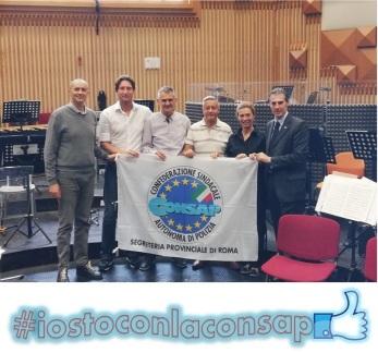 La Sezione Locale CONSAP presso la Fanfara della Polizia di Stato con dirigenti sindacali ed una parte degli iscritti. Da sinistra : Scoditti, Florio, Marocco, Fanelli, Tiberia e Guerrisi