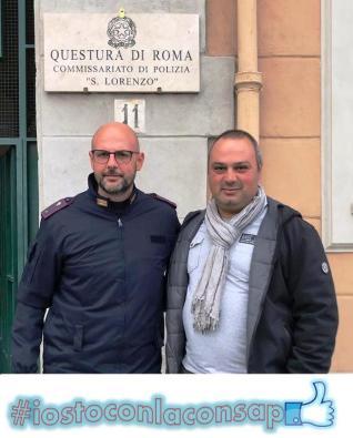 Commissariato di P.S. San Lorenzo - ROMA Da sinistra il neo Segretario Locale Bramante con il Segretario Provinciale Castelli