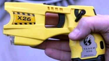pistola elettrica Taser