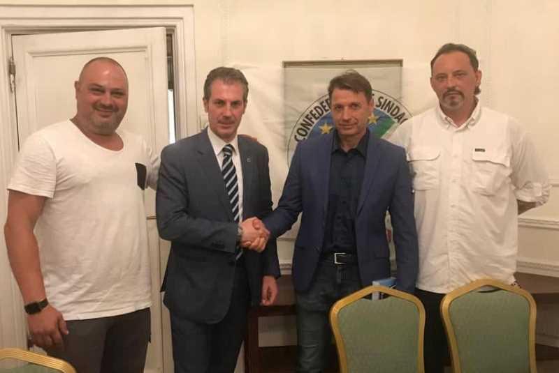 Nella foto da sinistra: il Segretario Provinciale CASTELLI, il Segretario Generale GUERRISI, il neo Coordinatore Provinciale PICANO e il Segretario Generale Aggiunto SALVATORI