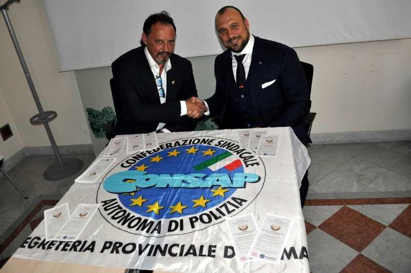 Nella foto il Segretario Provinciale Generale Aggiunto della CONSAP di Roma SALVATORI con il Presidente Nazionale U.P.T.M. Avv U.E. CALVO